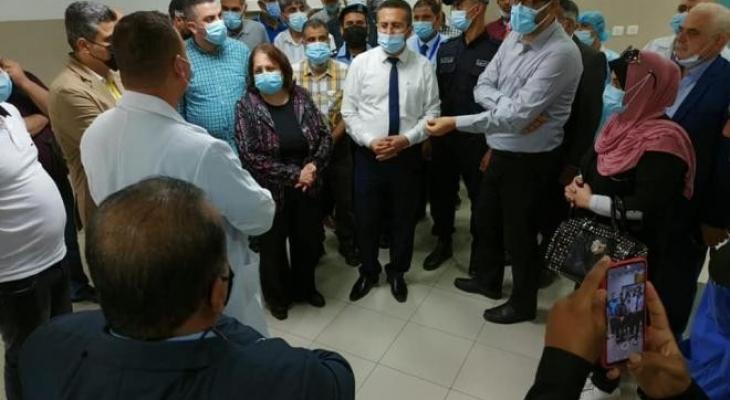 وزيرة الصحة تُنفذ جولة بمراكز العلاج والتطعيم الحكومية في بيت لحم