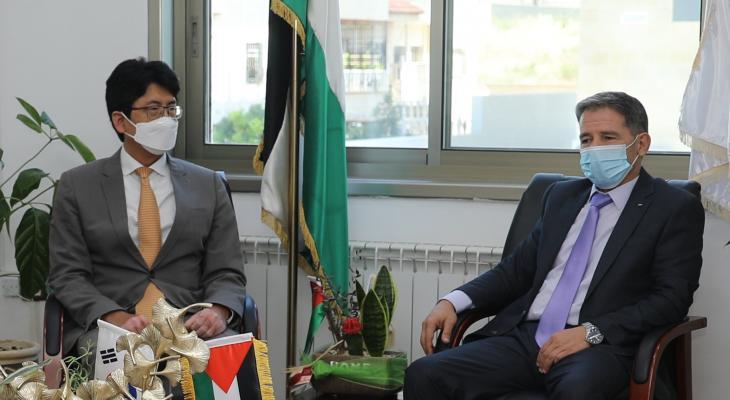 هذا ما جاء في اجتماع رئيس هيئة مكافحة الفساد مع سفير كوريا الجنوبية!