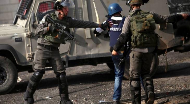 """""""دعم الصحفيين"""" تطالب بوقف اعتداءات الاحتلال على الصحفيين الفلسطينيين"""