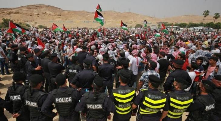"""""""إسرائيل"""" تُفرج عن موقوفيّن أردنيين عبرا الحدود خلال العدوان على غزّة"""