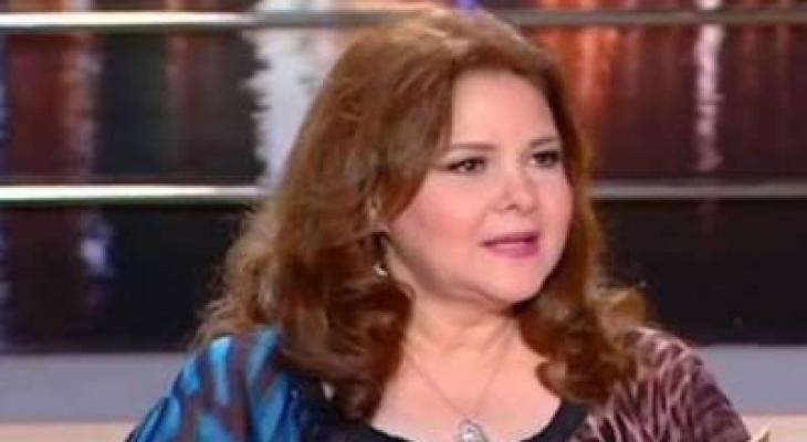 نهال عنبر تكشف التطورات الصحية للفنانة دلال عبدالعزيز