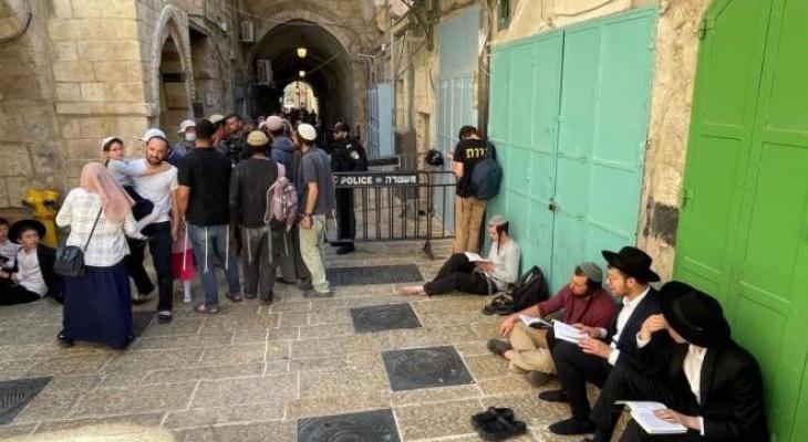 مستوطنون يقتحمون المسجد الأقصى بحماية شرطة الاحتلال
