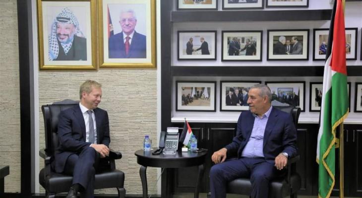 الشيخ يستقبل المبعوث الأوروبي لعملية السلام في الشرق الأوسط