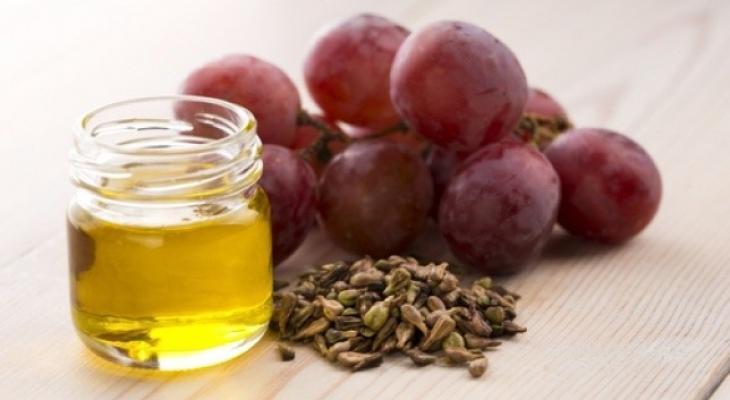 فوائد زيت بذور العنب لجميع أنواع البشرة