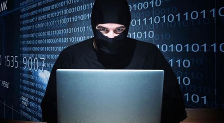 هجوم إلكتروني.