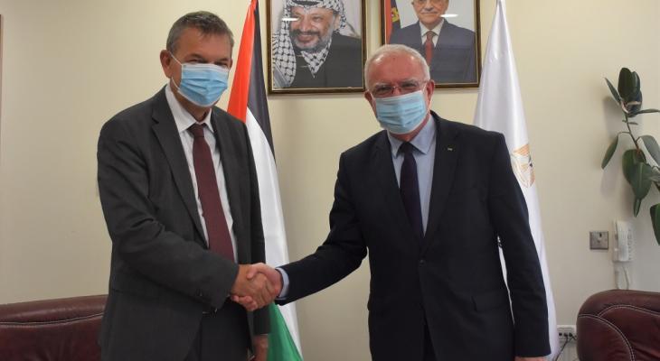 وزير الخارجية والمغتربين رياض المالكي يلتقي المفوض العام للأونروا فيليب لازاريني.jpg