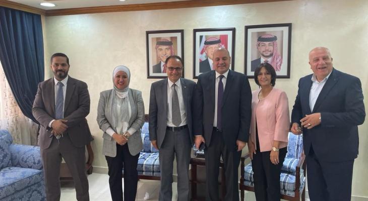 دائرة حقوق الإنسان في منظمة التحرير تلتقي لجنة الحريات النيابية بالأردن