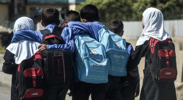 طالبان تقرر فتح المدارس أمام الذكور وتتجاهل عودة الإناث