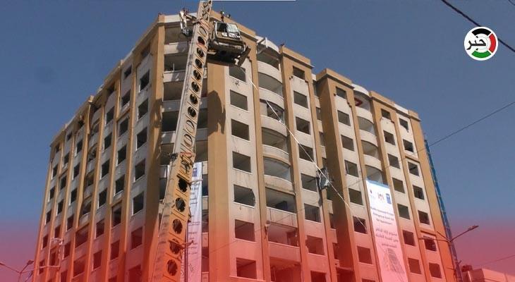 تواصل أعمال إزالة برج الجوهرة المدمر وسط مدينة غزّة