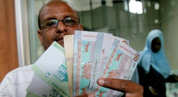 """السودان:  السيولة """"الهاربة"""" ترهق اقتصاد في البلاد"""