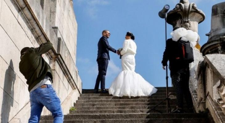 مصور يغادر حفل زفاف ويحذف صور الفرح لسبب غريب