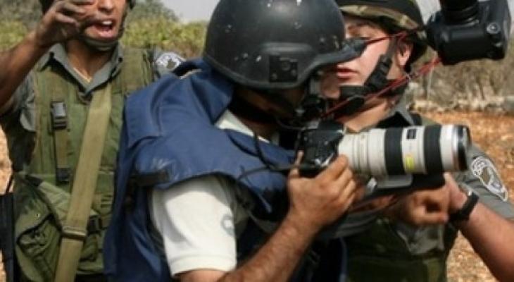 """""""الإعلام"""" تعلق على استهداف الاحتلال لـ""""وفا"""""""