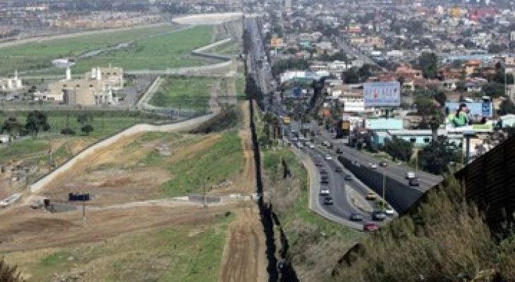 الحدود المكسيكة الامريكية