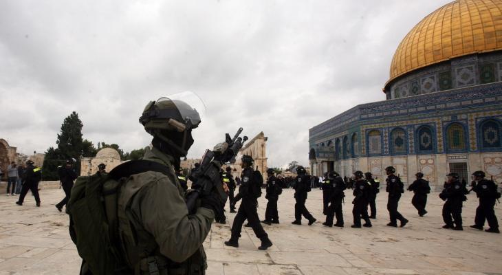 اعتقالات خلال اشتباكات مع قوات الاحتلال في باحات المسجد الأقصى