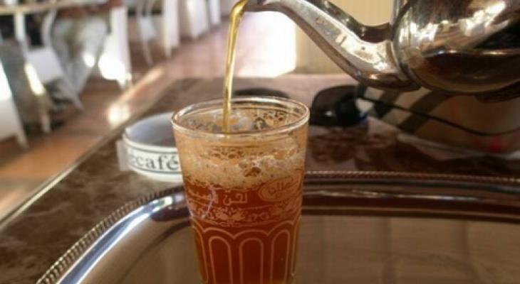 دراسة: شرب الشاي الساخن يضاعف خطر الاصابة بسرطان المريء!!