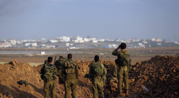 جنود على الحدود مع غزة