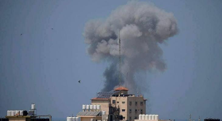 """""""مُحدث"""" بالفيديو والصور: طائرات الاحتلال تشُنّ سلسلة غارات على قطاع غزة"""