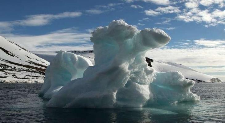 """""""كندا """"سرقة """"مياه جليدية"""" بآلاف الدولارات"""
