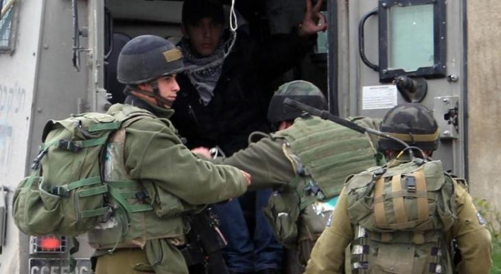 الاحتلال يُمدّد توقيف شابين من جنين ويحولهما للتحقيق والعزل.jpg