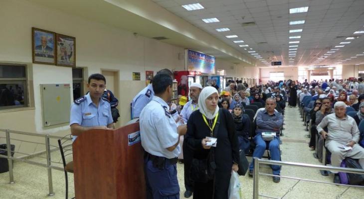 الاحتلال يمنع 6 مواطنين من السفر عبر معبر الكرامة.jpg
