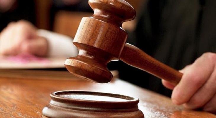 السجن 7 أعوام وغرامة مالية لمدان بحيازة مخدرات بقصد الاتجار بغزّة