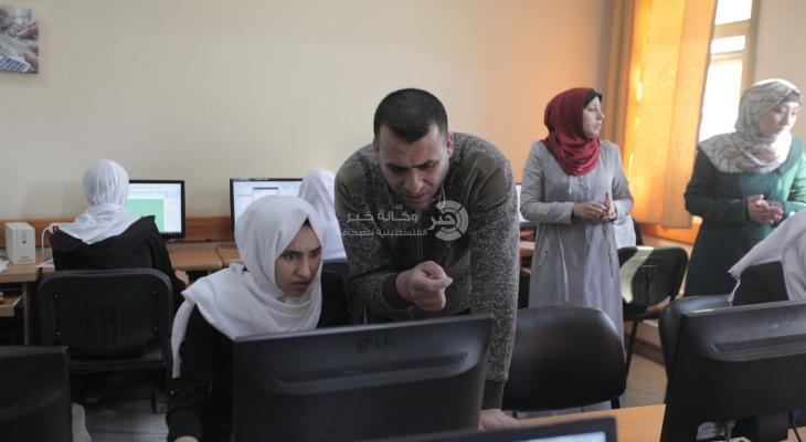 انطلاق المرحلة الأولى من امتحان مقرر التكنولوجيا لطلبة الثانوية العامة في الكلية الجامعية