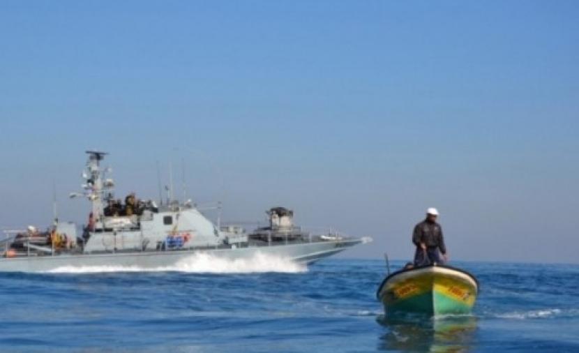 الاحتلال يطلق النار تجاه الصيادين والمزارعين في قطاع غزة