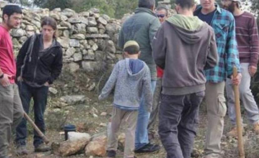 """مستوطنون يقتحمون منطقة """"عين الهوية"""" غرب بيت لحم"""