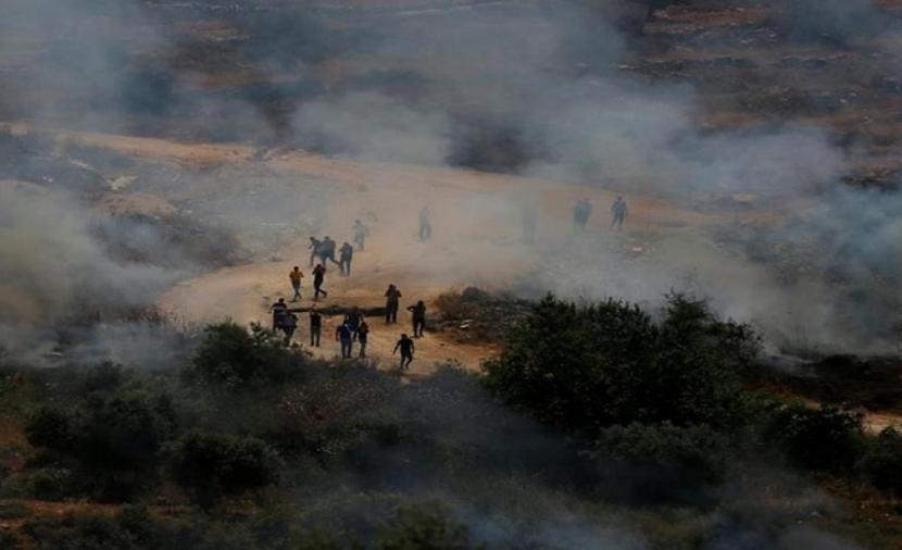 إصابات بالرصاص والاختناق خلال مواجهات مع الاحتلال على جبل صبيح