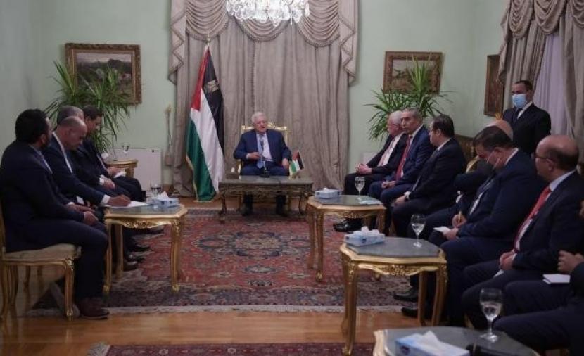 الرئيس عباس يوضِّح آخر مستجدات القضية الفلسطينية وجرائم الاحتلال ضد أبناء شعبنا