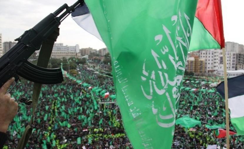 """""""حماس"""" تدعو لتوسيع نطاق تسابق العائلات لإقامة الفجر في المسجد الأقصى والحرم الإبراهيمي"""