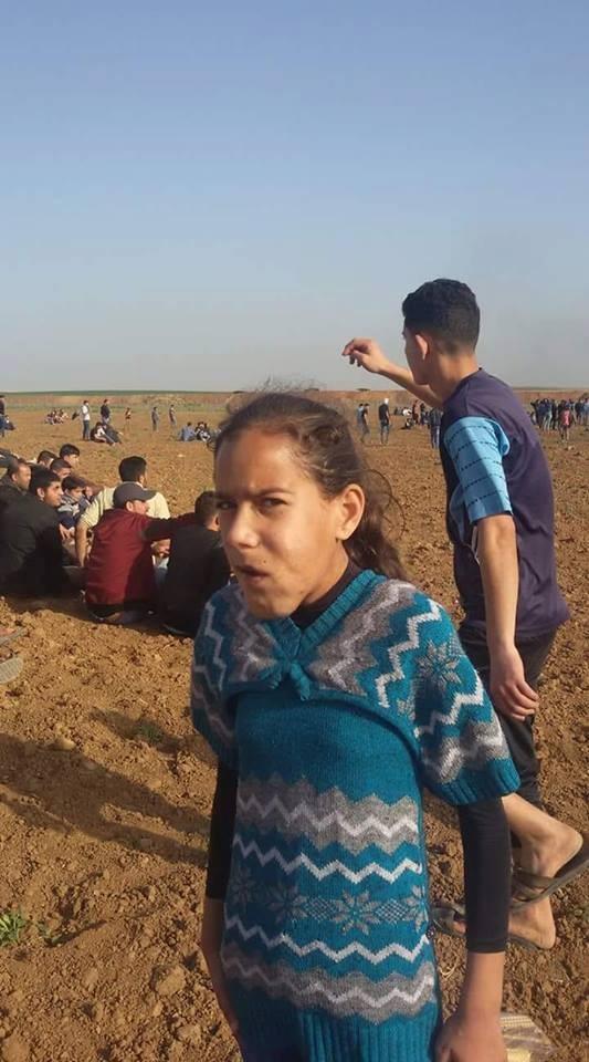 بالصور: الطفلة مريم أسطورة تتحدى المرض في غزّة!