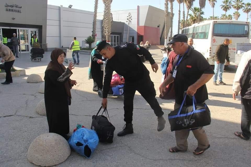 فوج جديد من المعتمرين يصل غزة عبر معبر رفح