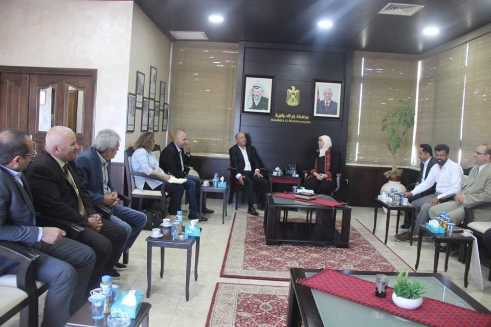 أبو هولي يناقش إحياء ذكرى النكبة مع محافظ رام الله