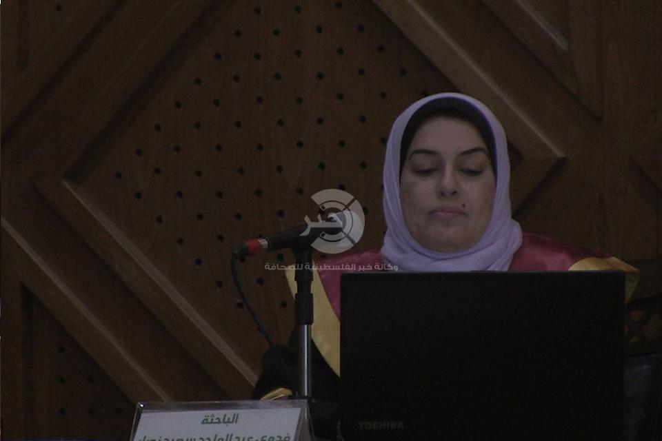 """بالفيديو والصور: مُحررة وكالة """"خبر"""" تحصل على درجة الماجستير في دراسات الشرق الأوسط"""