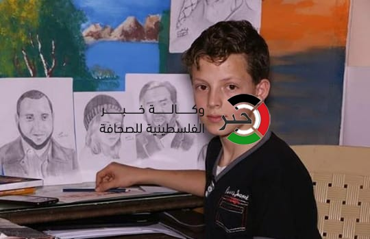 بالصور: الطفل الموهوب.. جسدّ برسوماته رموز الشعب الفلسطيني