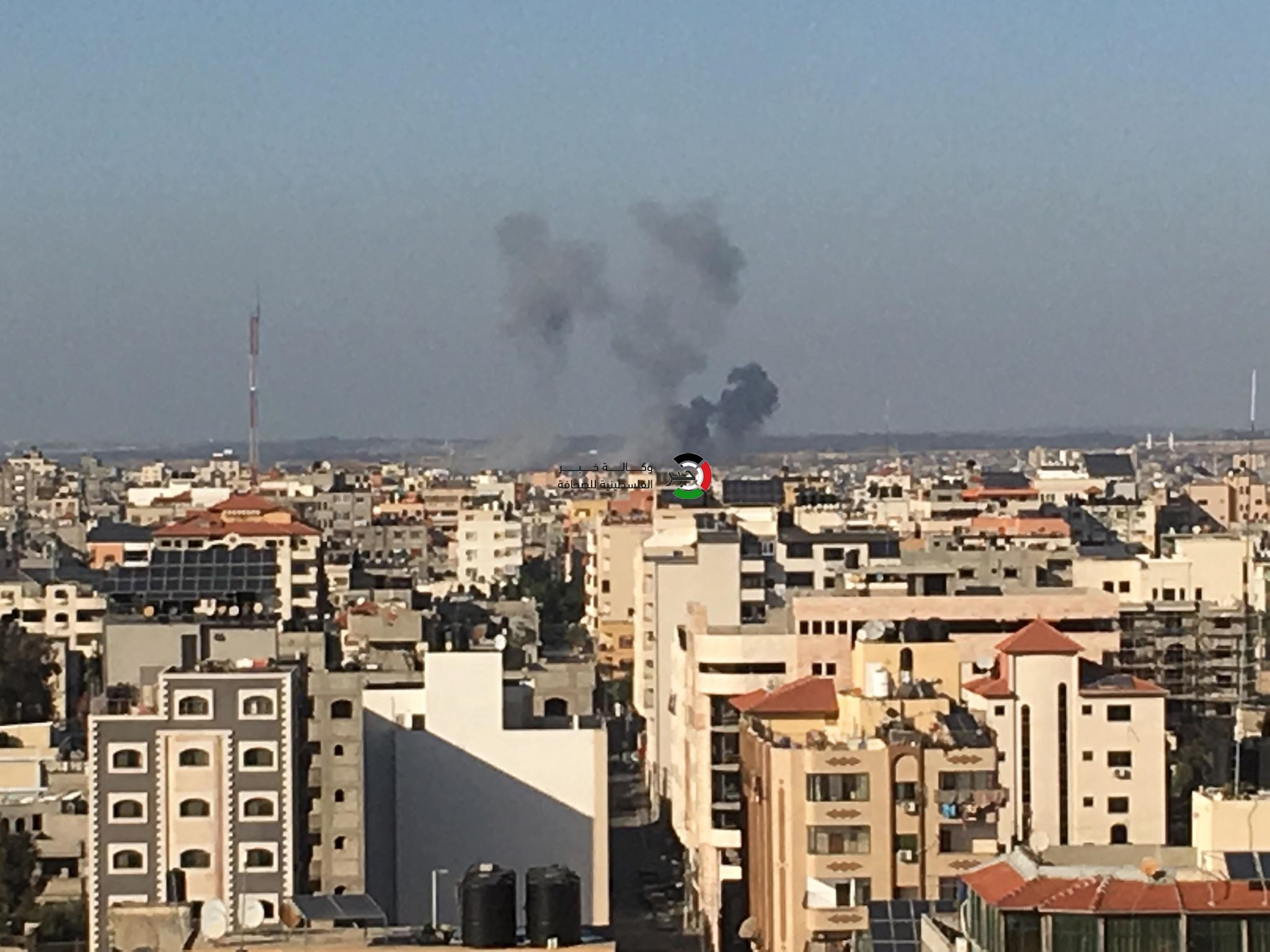 محدث بالصور: 3 شهداء بينهم طفلة ووالدتها بقصف إسرائيلي مستمر على قطاع غزّة