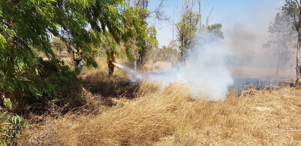 """الاحتلال يزعم: اندلاع 12 حريقًا في """"غلاف غزّة"""" بفعل البالونات الحارقة"""