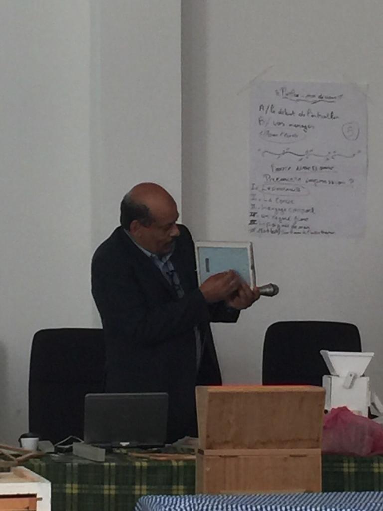 """شاهد: """"أحمد عبود"""".. فيزيائي فلسطيني جاب دول العالم لنقل معرفته للوطن العربي"""