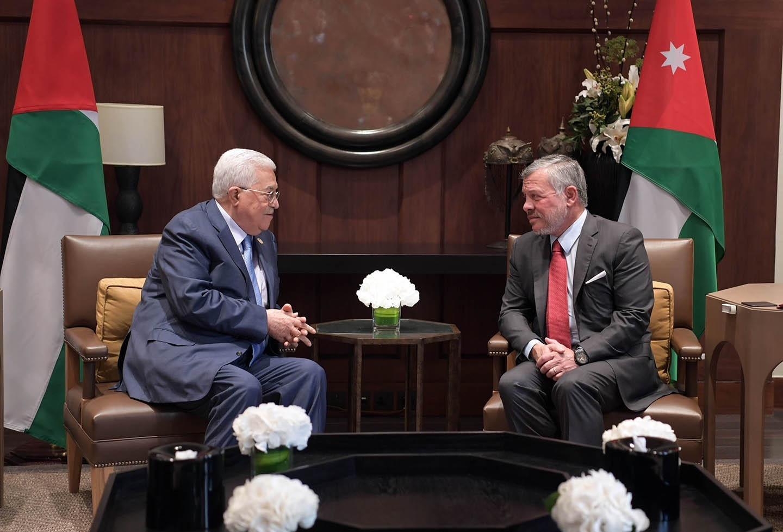 الرئيس عباس يجتمع مع العاهل الأردني بعمان لبحث آخر المستجدات