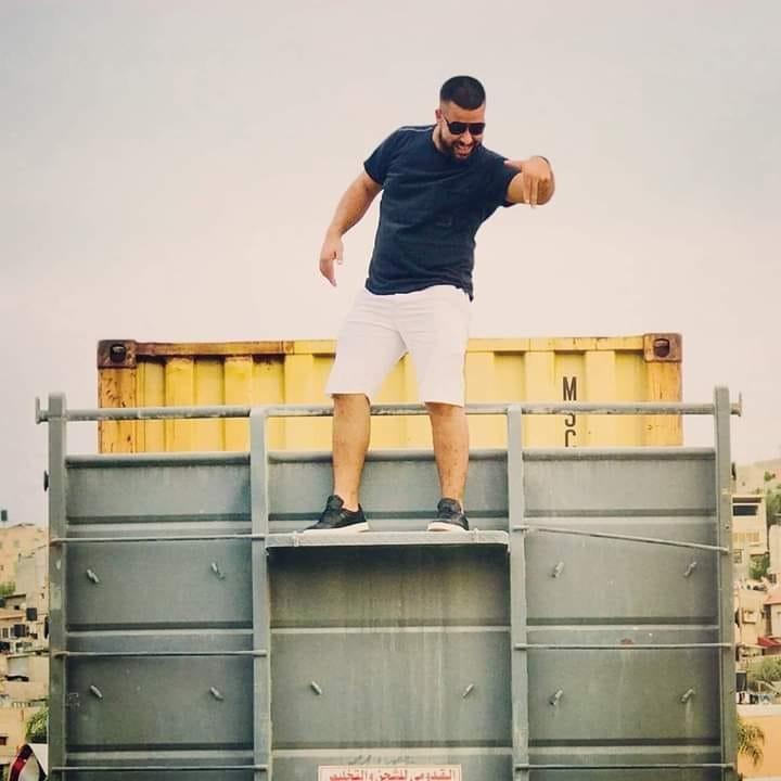 صورة: مصرع شاب إثر سقوطه من علو أثناء عمله في مدينة حيفا المحتلة