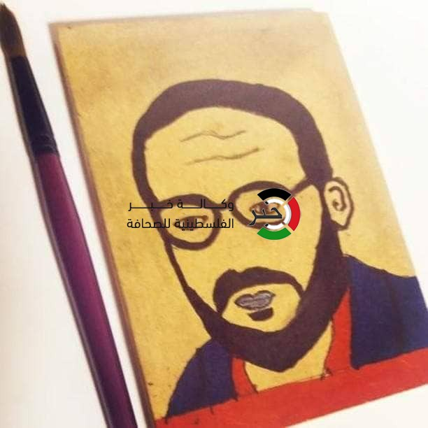 """شاهد: فتى فلسطيني يُحوّل موهبة """"الرسم"""" لمصدر رزق يعتاش من خلاله"""