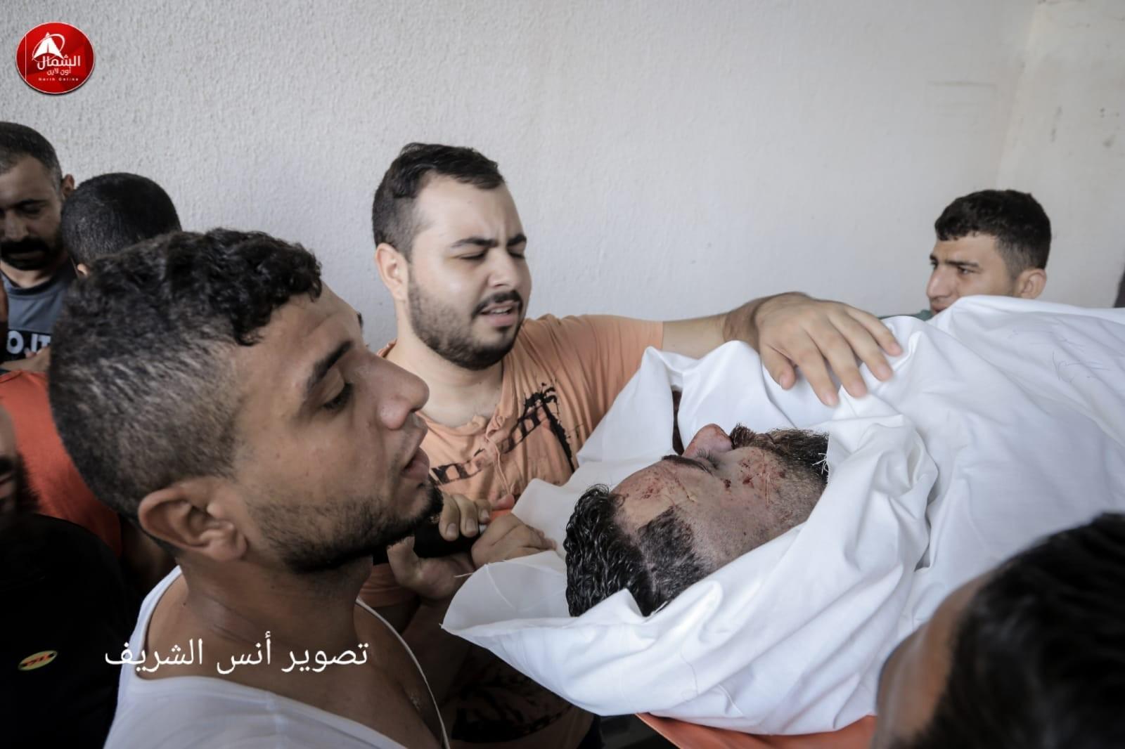 بالصور: استشهاد 3 فلسطينيين برصاص الاحتلال شمال القطاع