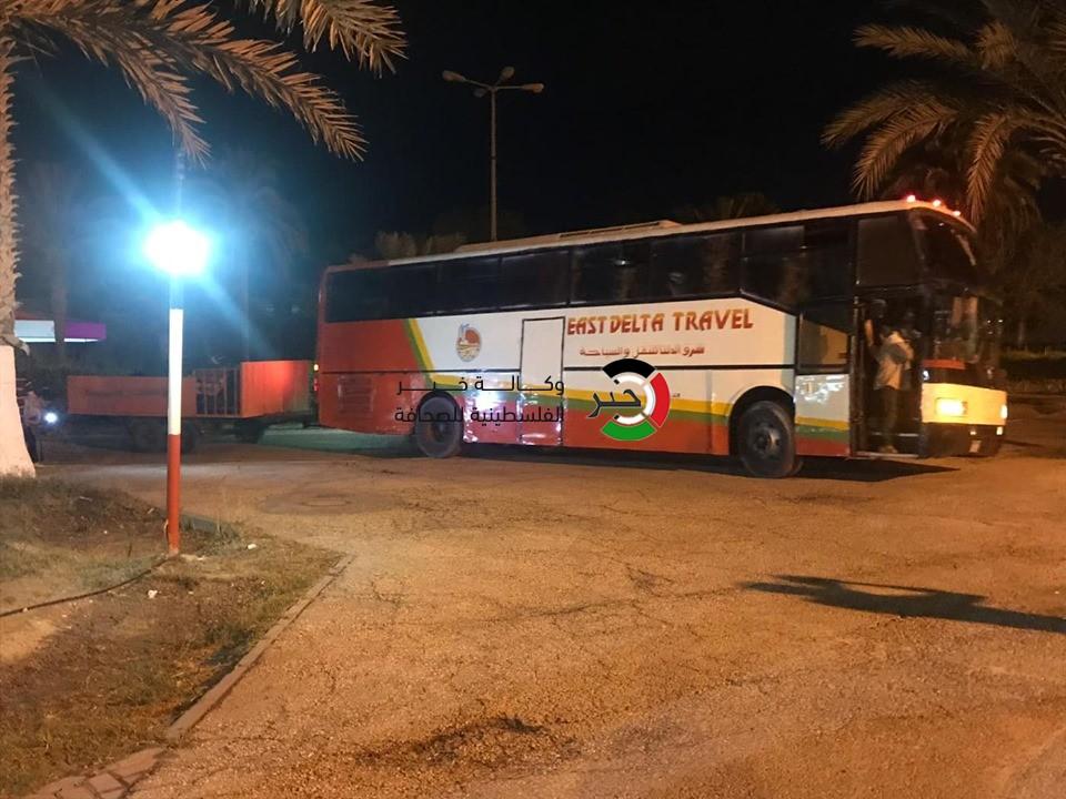 بالصور: بدء وصول قوافل حجاج مكرمة الملك إلى قطاع غزّة