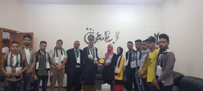 """بالصور: شبيبة """"فتح"""" تستقبل طلبة وأساتذة جامعة غزّة"""