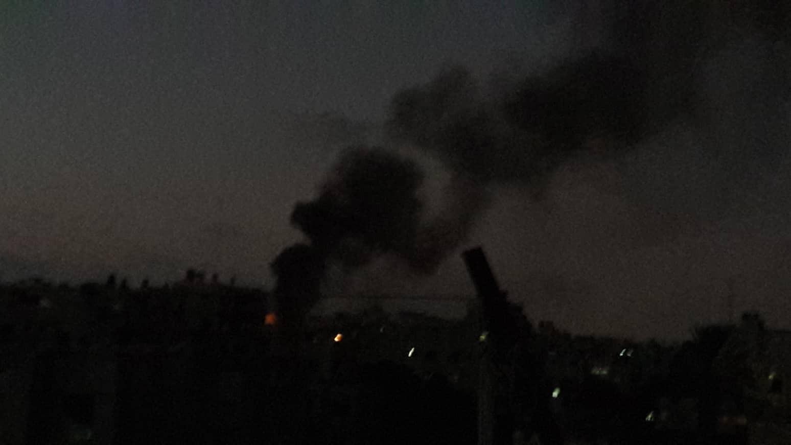 بالصور: نشوب حريق في مولدات الكهرباء في شارع اليرموك غرب مدينة غزة