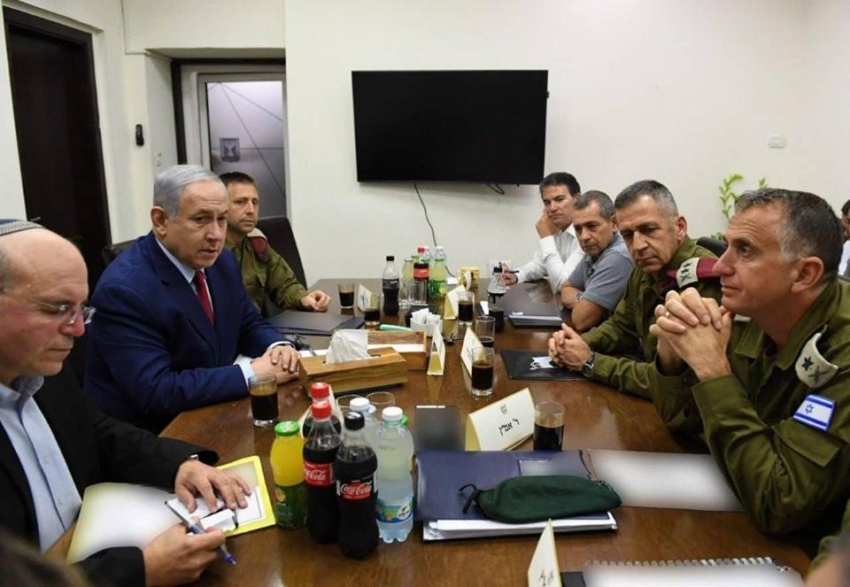 صورة: نتنياهو يجري مشاورات أمنية عقب إطلاق الصواريخ من غزّة