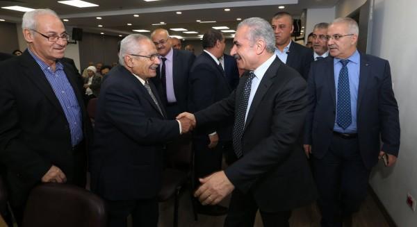 اشتية يتحدّث عن رأس أولويات زيارة الوفد الوزاري إلى القاهرة