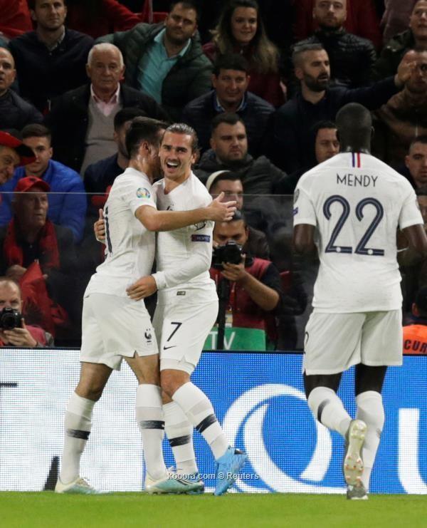 جريزمان يقود فرنسا للفوز على ألبانيا بثنائية نظيفة