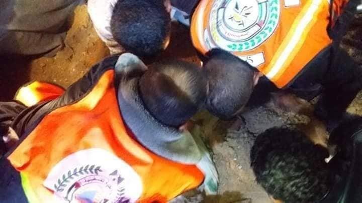 بالفيديو والصور: استشهاد مواطن و5 من أفراد عائلته في قصف إسرائيلي بدير البلح وسط قطاع غزة